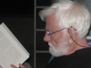 home-avnery-reading